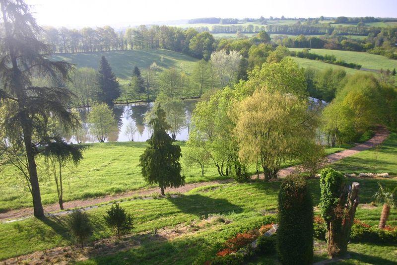 Montagenet, le parc et l'étang (2)